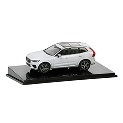 XC60 CRYSTAL WHITE MODEL 1:43 Thumbnail